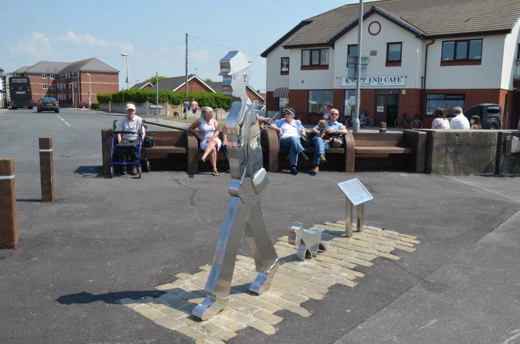 LS Lowry statue at the slipway